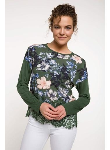 DeFacto Dantel Detaylı Çiçek Desenli Bluz Haki